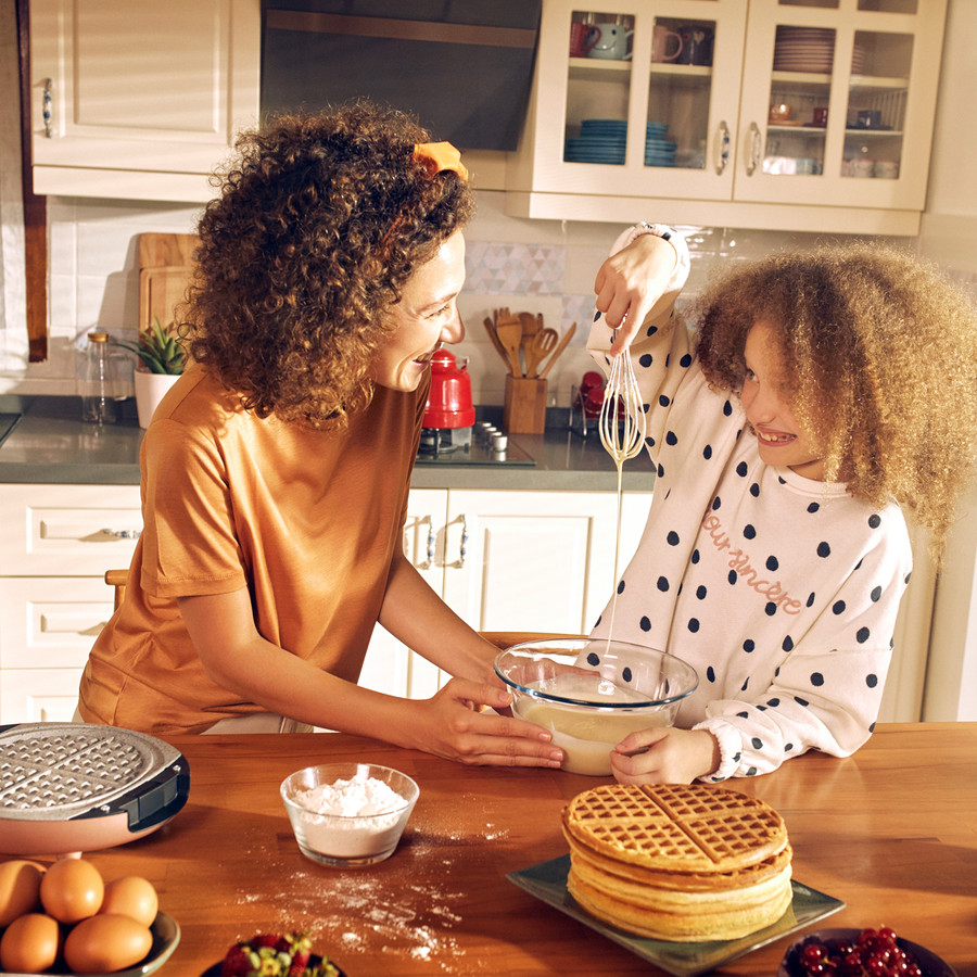Karaca Funday Rosegold 3'ü 1 Arada Waffle Krep ve Künefe Makinesi 1000W